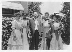 "Photo: ""Dr. Frank P. Hill and Some of His Library Girls in Pasadena, California"" from University of Illinois; public domain"
